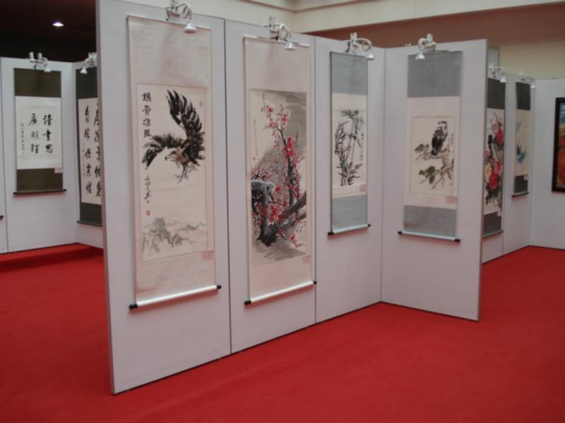 [深圳]无缝书画展板厂家还是选立欣展览